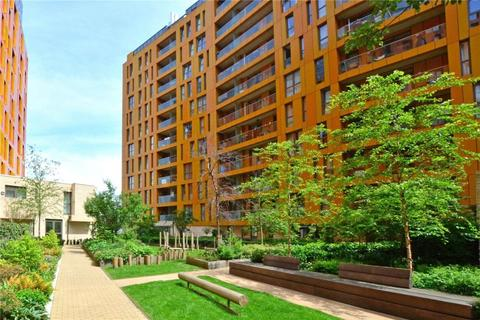 3 bedroom apartment for sale - Loop Court, 1 Telegraph Avenue, London, SE10