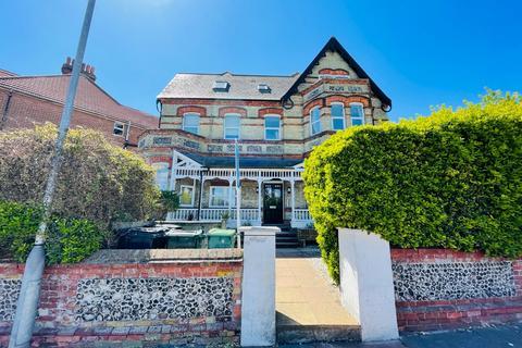 2 bedroom ground floor flat for sale - 19 Mill Road , Eastbourne BN21
