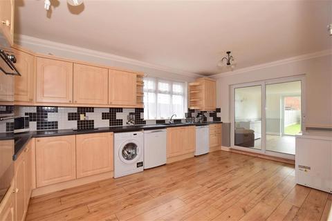 3 bedroom detached bungalow for sale - Sunningdale Road, Rainham, Essex