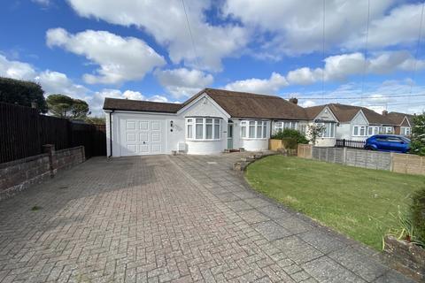 2 bedroom bungalow for sale - Pevensey Road, Polegate, East Sussex, BN26