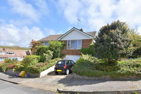 2 bedroom detached bungalow for sale - Westfield Avenue North, Saltdean, Brighton, BN2 8HS