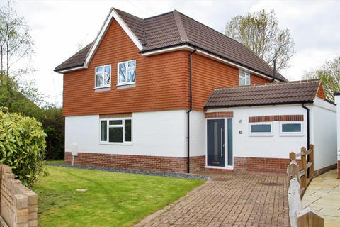 5 bedroom detached house for sale - Derby Close, Hildenborough, Tonbridge, Kent, TN11