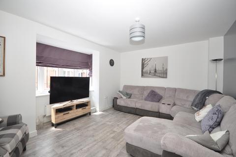 3 bedroom semi-detached house to rent - Normandy Road Fareham PO14