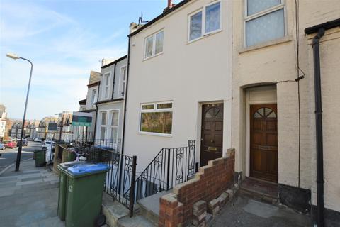 2 bedroom flat to rent - Vicarage Park, Plumstead, London SE18