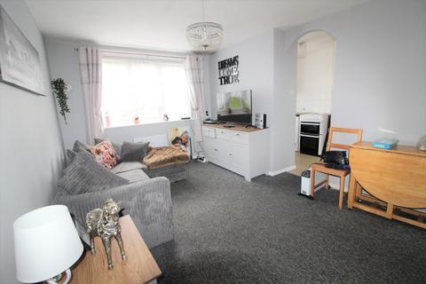 1 bedroom flat for sale - Gartons Close, Enfield, EN3
