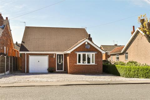 3 bedroom bungalow for sale - Thorn Road, Hedon, Hull, East  Yorkshire, HU12