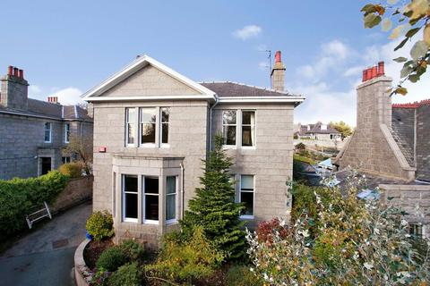 6 bedroom detached house to rent - Queens Road, Aberdeen, AB15