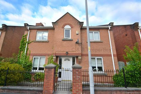 4 bedroom detached house to rent - Rolls Crescent, Hulme, Manchester. M15 5JX.