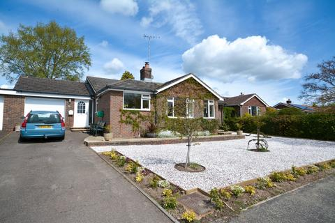 4 bedroom detached bungalow for sale - Coldwaltham