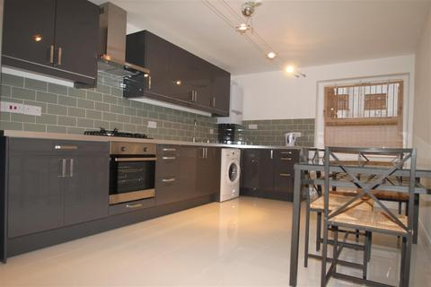 1 bedroom flat to rent - Holmleigh Court, Leigham avenue, Streatham, SW16