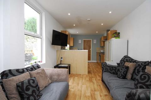 5 bedroom house share to rent - 50 Penrose Street