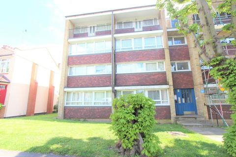 3 bedroom flat for sale - Palmers Road, London
