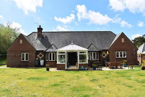 5 bedroom bungalow for sale - Matchams Close, Matchams, Ringwood, BH24