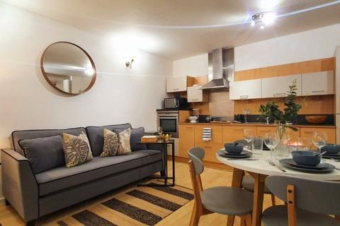 1 bedroom in a flat share to rent - West Parkside, Greenwich, London, SE10