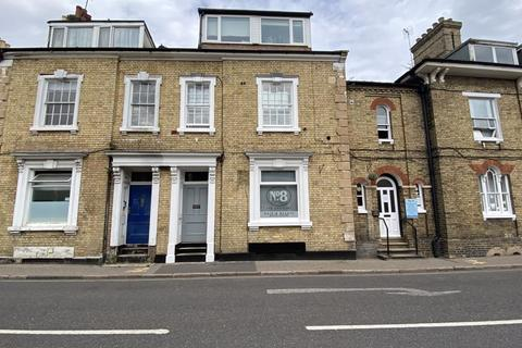 Hairdresser and barber shop to rent - Hair Salon, The Crescent, Spalding