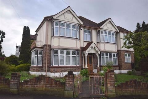 4 bedroom detached house to rent - Nevin Drive, North Chingford