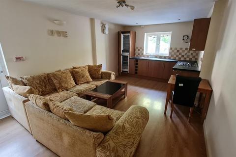 1 bedroom flat to rent - Colum Road