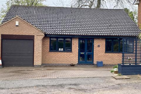 2 bedroom detached bungalow for sale - Butt Lane Close, Hinckley