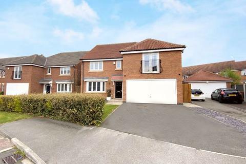 4 bedroom detached house for sale - Millias Close, Brough