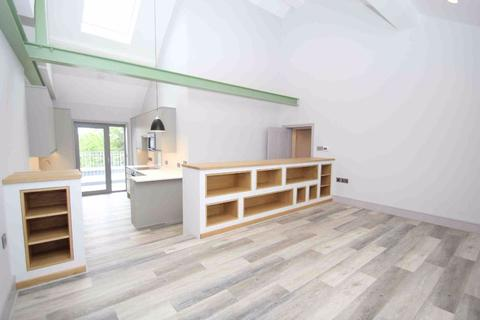 3 bedroom flat to rent - Upper Richmond Road, London