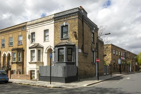 2 bedroom maisonette for sale - Daneville Road, Camberwell, SE5