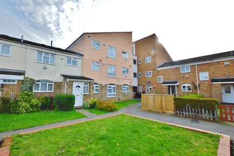 1 bedroom flat for sale - Pennine Road, Slough