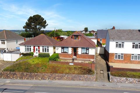 5 bedroom detached bungalow for sale - Ringwood Road, Poole