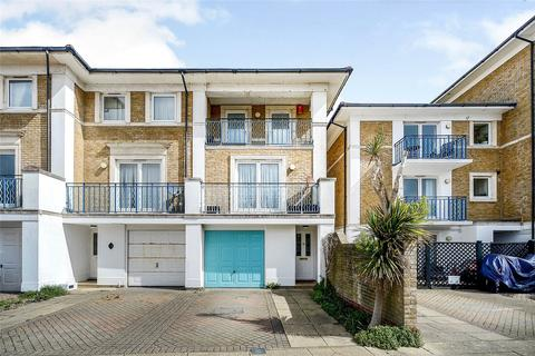 3 bedroom terraced house for sale - Victory Mews, The Strand, Brighton Marina, Brighton, BN2