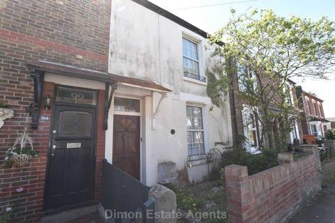 3 bedroom terraced house for sale - Village Road, Alverstoke