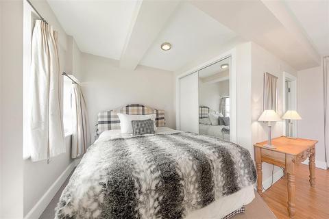 Studio for sale - Nell Gwynn House, Sloane Avenue, SW3