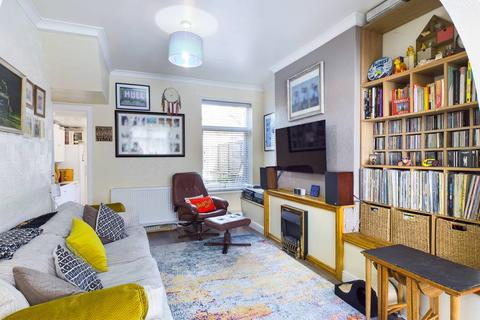 2 bedroom terraced house for sale - Haworth Street,  Hull, HU6