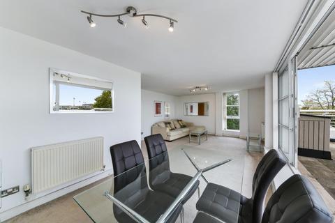 2 bedroom apartment for sale - Barrier Point Road, Royal Docks, London, E16