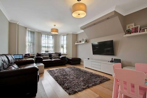 3 bedroom apartment for sale - Queensborough Court, Finchley, N3
