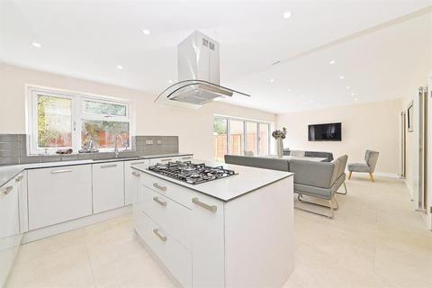 4 bedroom end of terrace house for sale - Christchurch Close, Birmingham, B15 3NE