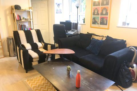 2 bedroom flat to rent - Westbury House, Aldridge Road Villas, W11