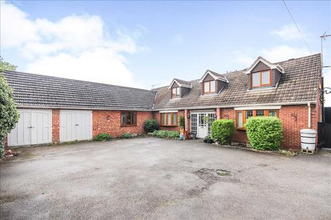 5 bedroom detached house for sale - Lincoln Road, Saxilby, Lincoln