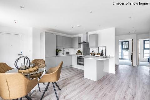 3 bedroom flat for sale - Flora Apartments, Hillreach, Woolwich