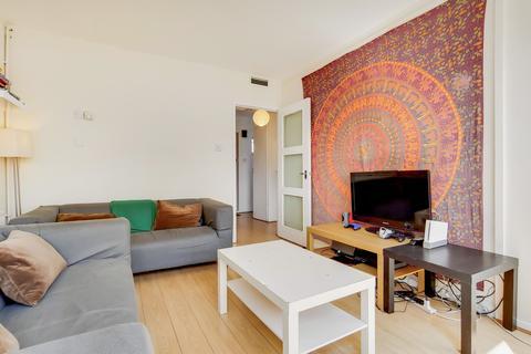 4 bedroom flat to rent - Arabella Drive, London, SW15
