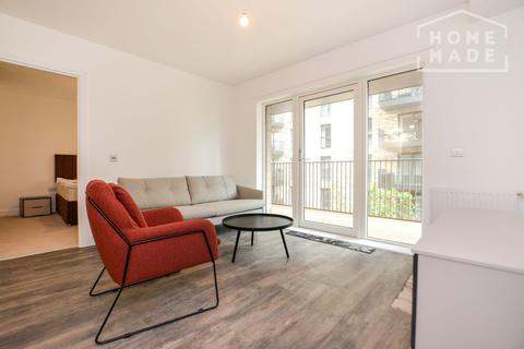 2 bedroom flat to rent - Millet Place, Royal Docks, E16