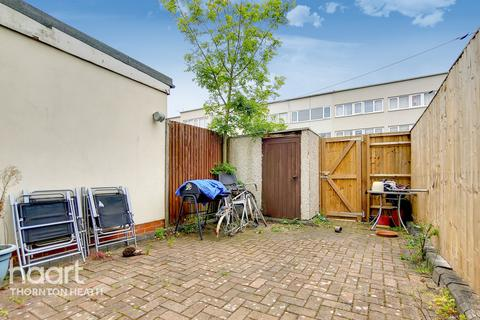 3 bedroom townhouse for sale - Montgomery Close, MITCHAM