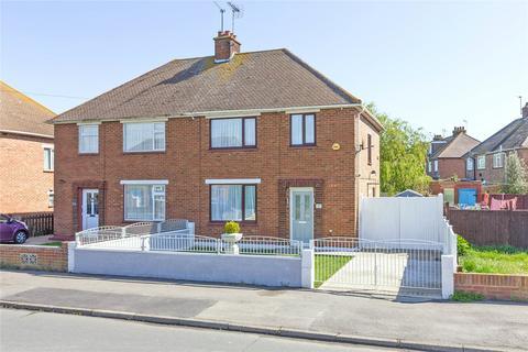 3 bedroom semi-detached house for sale - Medway Road, Sheerness, ME12