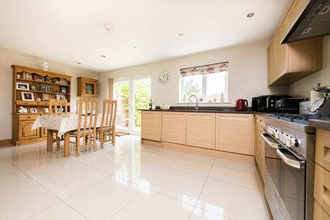 5 bedroom end of terrace house to rent - Abingdon