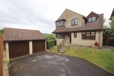 4 bedroom detached house to rent - Godwins Close, Melksham