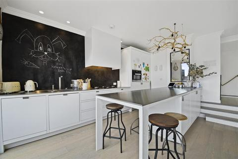 3 bedroom flat to rent - Girdlers Road, Brook Green, London, W14