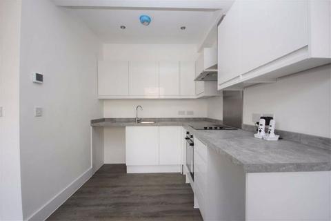 2 bedroom flat to rent - High Street, Walthamstow