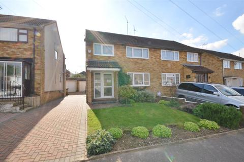 3 bedroom semi-detached house to rent - Charlwood Road