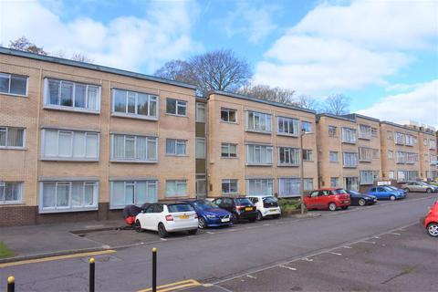 2 bedroom flat for sale - Long Oaks Court, Sketty, Swansea