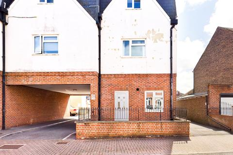 3 bedroom terraced house for sale - London Road, Portsmouth, PO2