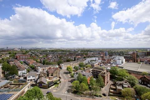 3 bedroom flat for sale - Lexden Road, Acton, W3