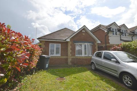 2 bedroom bungalow to rent - Orchard Gardens, Bournemouth, BH10 4FH
